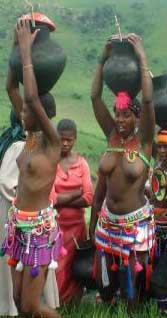 Zulu girls with beer pots